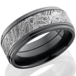Style 103987: Zirconium 9mm flat band with grooved eges with 5mm meteorite center