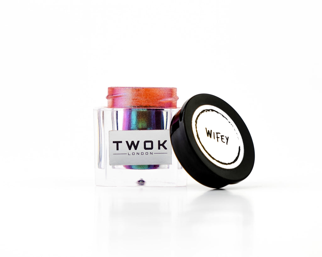 Wifey - Loose Eye Shadow Pigment - TWOK London