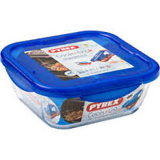 Pyrex Cook & Go Square Dish With Lid 21cm
