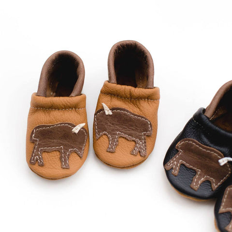 Shoes with Designs - Bison on Tan