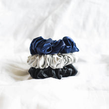 Load image into Gallery viewer, 100% Pure Mulberry Silk Scrunchies - Polaris (Bundle Gift Set)