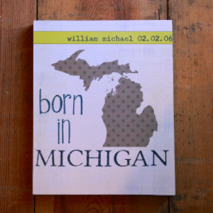 CUSTOM | Polka Dot Mitten | Born in Michigan Sign