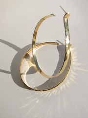 Front Hammered Hoops