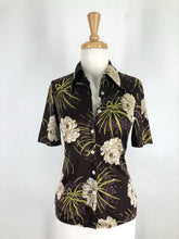 Load image into Gallery viewer, Japanese Vintage floral Ladies shirt
