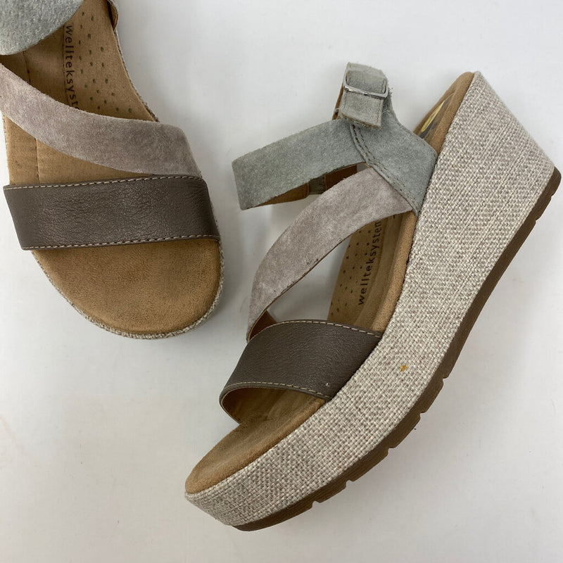 new suede & leather wedge