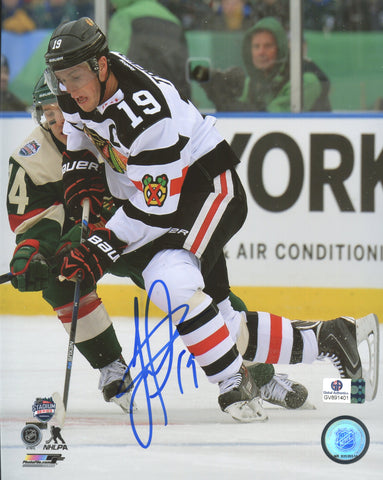 "Jonathan Toews Chicago Blackhawks Signed Autographed 8"" x 10"" Photo Global COA"