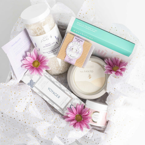 LUX Limited Edition Spring Cheer Gift Set: Relaxing
