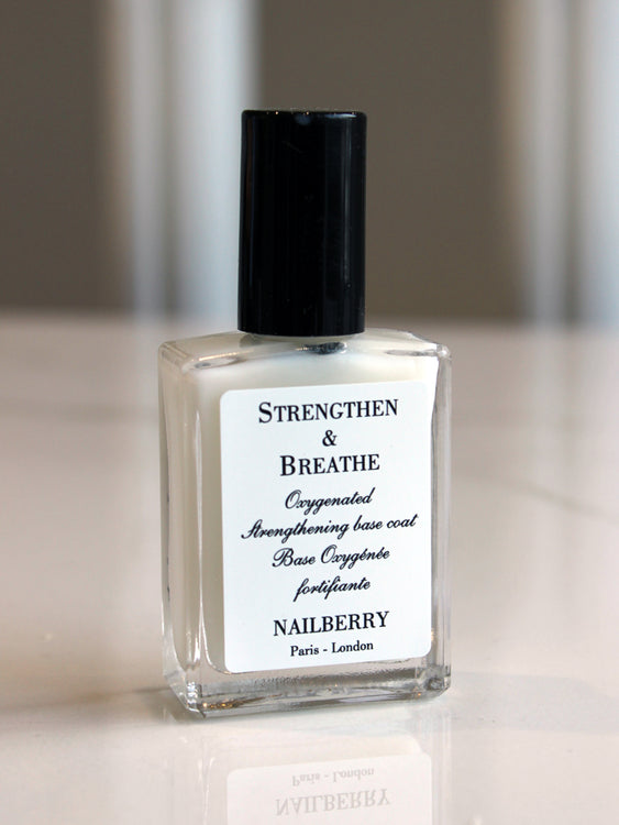 Nailberry Strengthen & Breathe Oxygenated Base Coat & Nail Strengthener