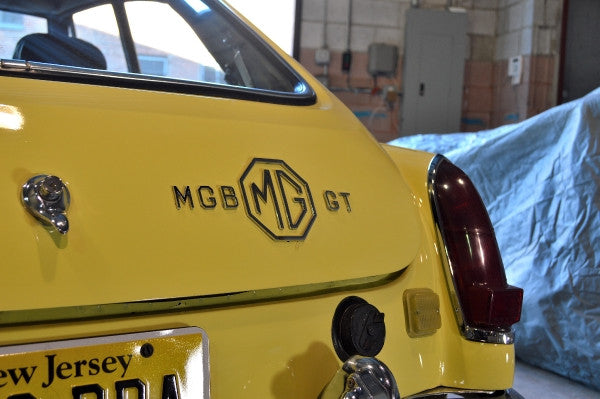 MG - 1969 MG B GT - MAN of the WORLD Online Destination for Men's Lifestyle - 11