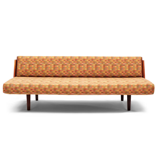 VINTAGE - Danish Modern Daybed - MAN of the WORLD Online Destination for Men's Lifestyle - 1