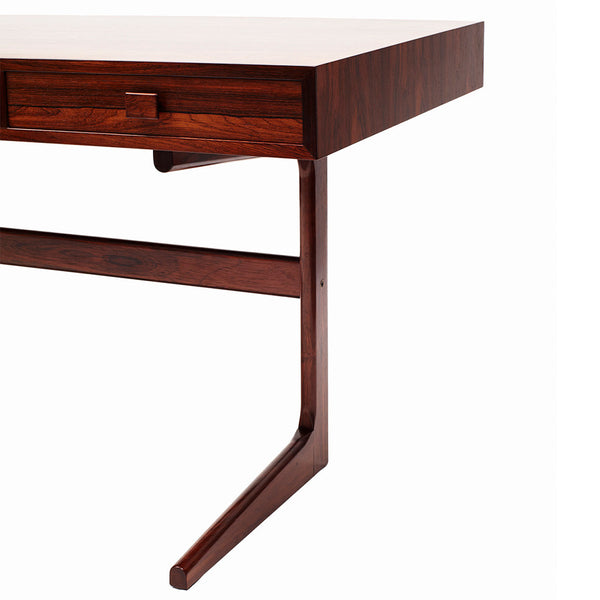 VINTAGE - Modern Danish Table - MAN of the WORLD Online Destination for Men's Lifestyle - 4