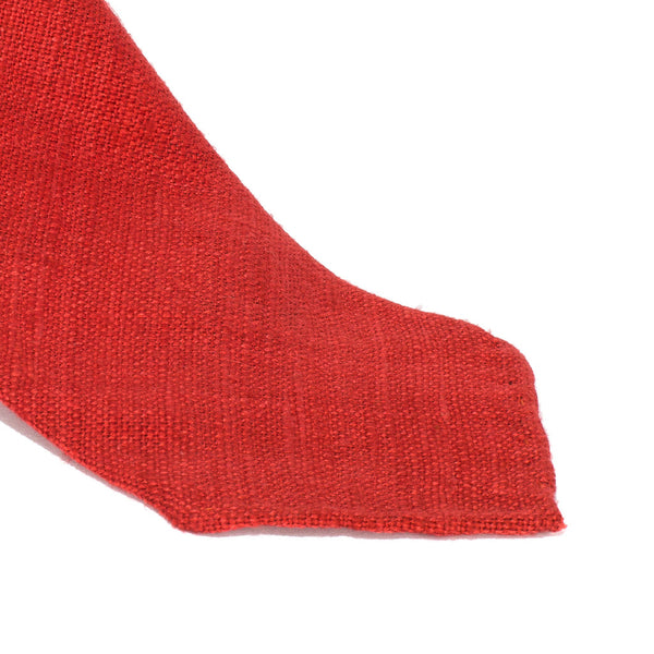 Drake's - SILK WOVEN SHANTUNG SOLID TIE - RED - MAN of the WORLD Online Destination for Men's Lifestyle - 2