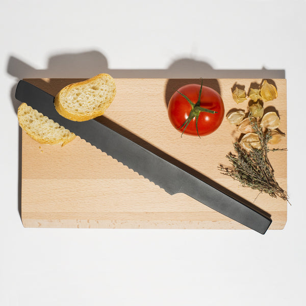 Stelton - Pure Black Bread Knife with Cutting Board - MAN of the WORLD Online Destination for Men's Lifestyle - 11
