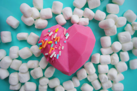 using silicone molds to make chocolate hearts yummy gummy molds