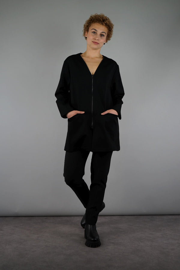 Legere Basic-Jacke ideal für neutrale Lagen-Looks in schwarz