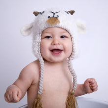 Load image into Gallery viewer, Goat Cream Feathered Yarn Hat