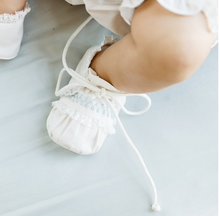 Load image into Gallery viewer, Ivory & Blue Vintage Booties