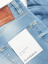 Laden Sie das Bild in den Galerie-Viewer, GABBA ALEX SANZA TAPERED JEANS LIGHT BLUE