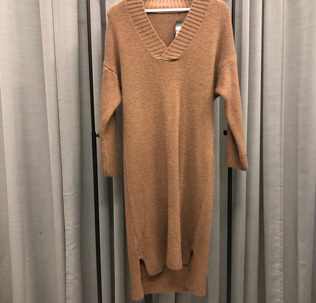 LANGES STRICKKLEID V-NECK BROWN