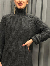 Laden Sie das Bild in den Galerie-Viewer, BASIC APPAREL HEAVY KNIT ROLL NECK PULLOVER ANTRAZIT ORIGINAL PREIS 79,95