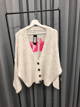 Laden Sie das Bild in den Galerie-Viewer, STRICK CARDIGAN NICE ROSA