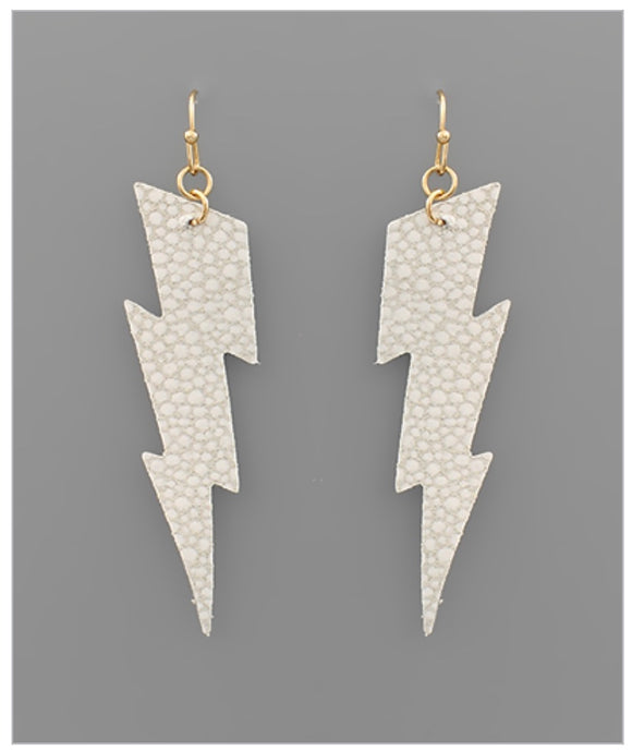You're Striking Earrings - Ivory