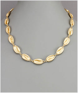 Cowry Shell Necklace - Matte Gold
