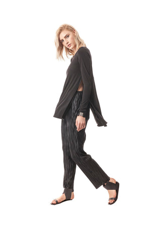 Black Single-Layer Side-Slit Tunic With Long Sleeves