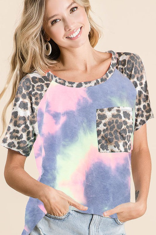 TIE DYE KNIT TOP WITH LEOPARD RAGLAN SLEEVES