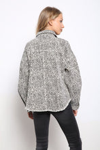 Load image into Gallery viewer, LEOPARD PRINTED HEAVY DENIM OVERSIZE JACKET
