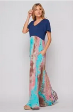 Load image into Gallery viewer, V-Neck Maxi Dress