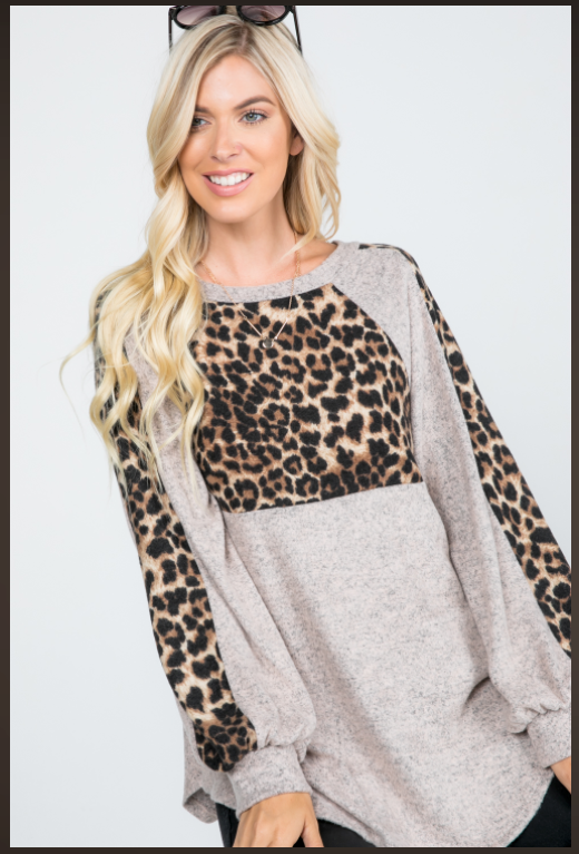 BRUSHED SWEATER ANIMAL PRINT ACCENT BABY DOLL TOP