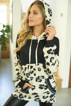 Load image into Gallery viewer, Cheetah Print Knit Sweater