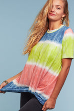 Load image into Gallery viewer, TIE DYE SHORT SLEEVE KNOTTED TWIST TOP