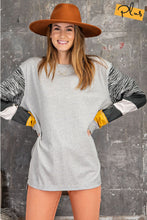 Load image into Gallery viewer, COLOR BLOCK SLEEVE LONG SLEEVE TOP