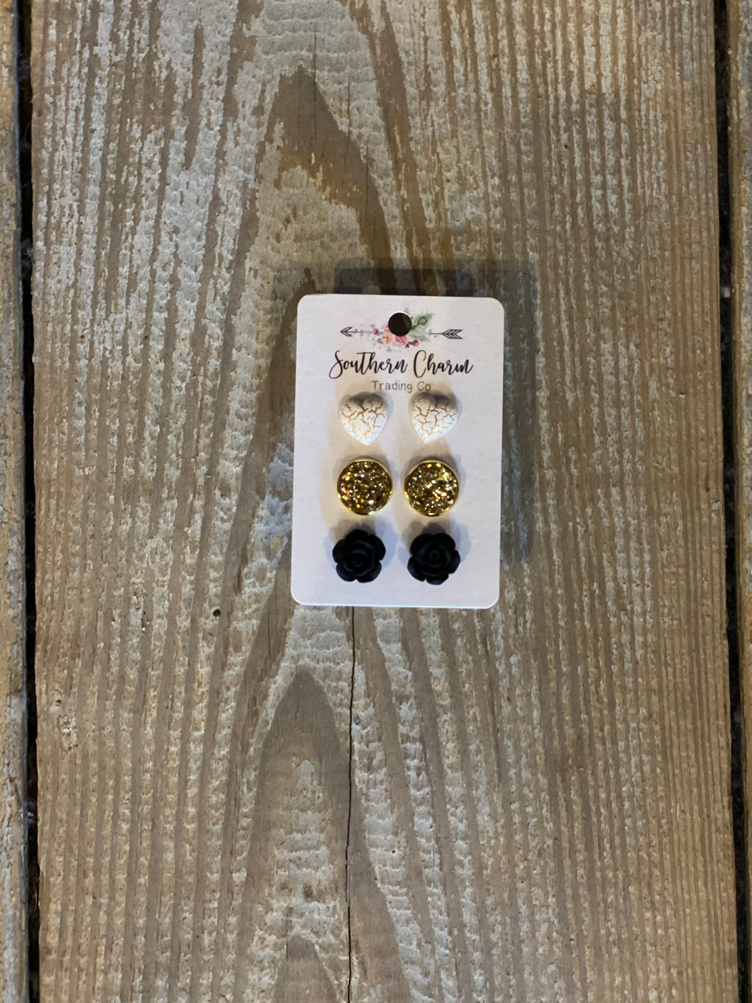 Ivory Gold Crackle Hearts/Gold/Black Roses