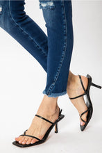 Load image into Gallery viewer, KC8587D-TULIP HEM CROP JEANS