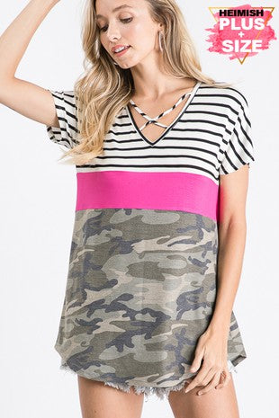 CAMO W/ CRISS CROSS V NECK CONTRAST TOP