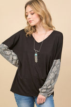 Load image into Gallery viewer, SNAKESKIN PRINT PUFF SLEEVE TOP