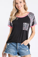 Load image into Gallery viewer, SOLID AND LEOPARD TOP WITH FRONT POCKET