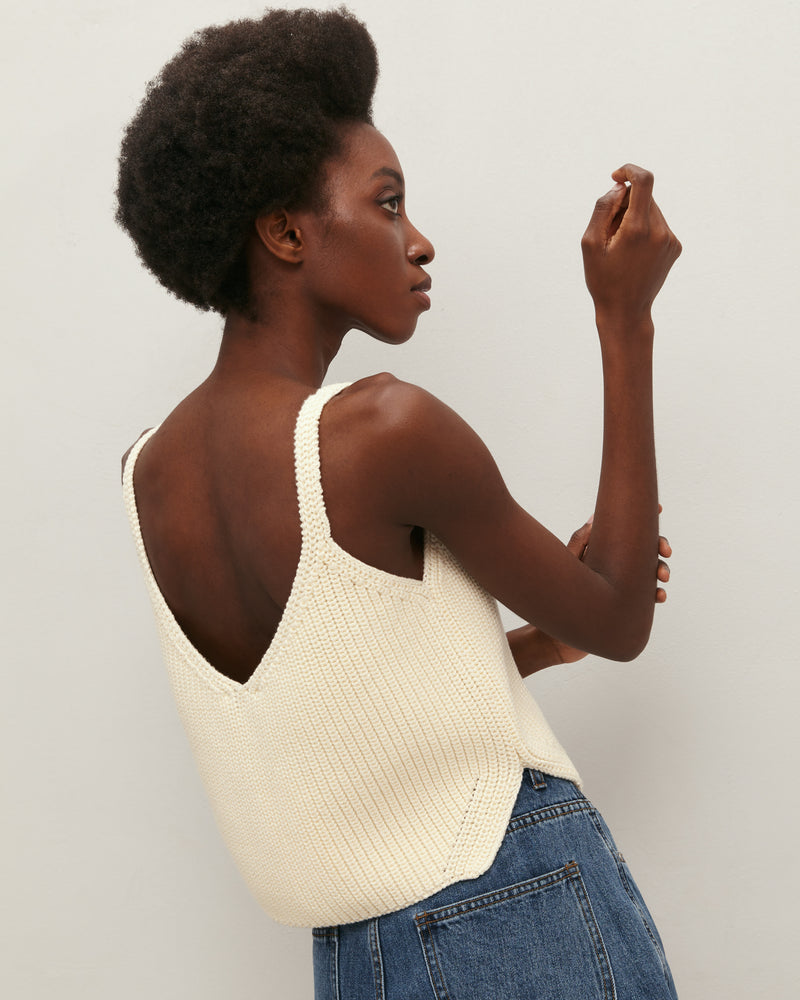 Milk-colored knitted crop-top