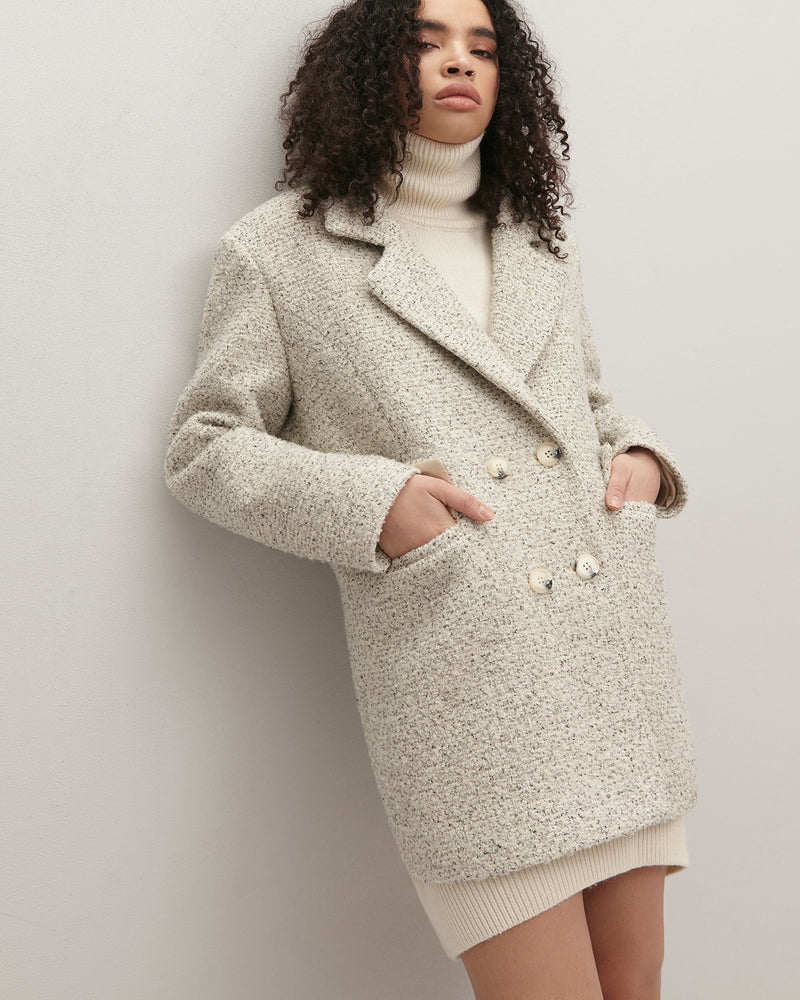 Milk-colored oversized jacket