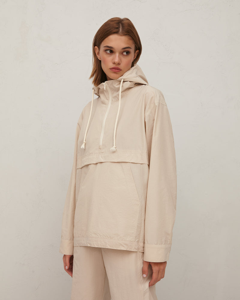 Milk-colored rustling jacket