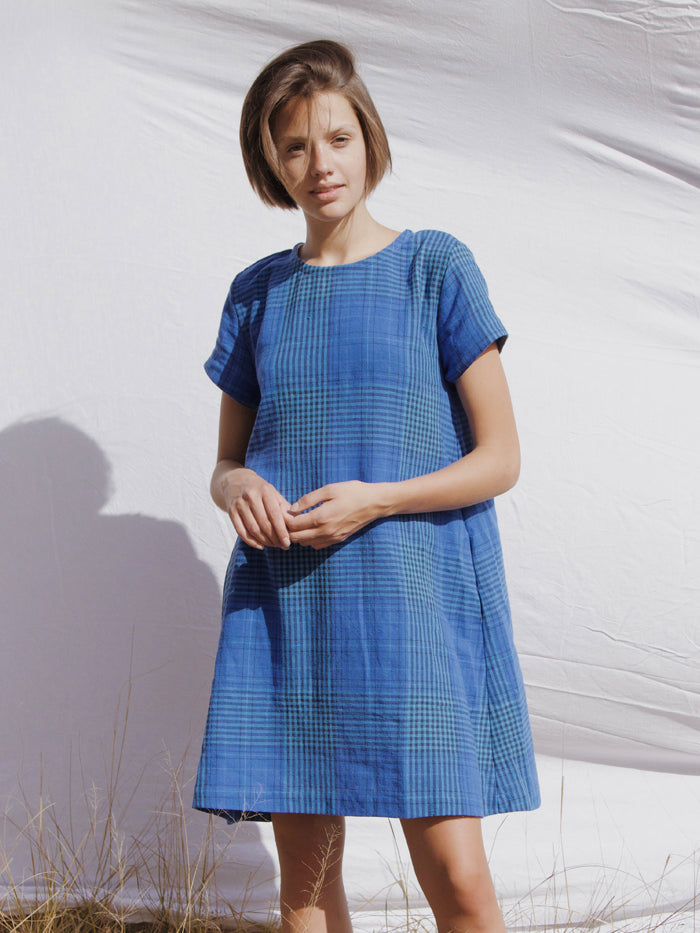 The Julia swing dress by RYDER in linen Plaid