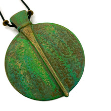 Load image into Gallery viewer, Circle Patina Necklace