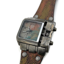 Load image into Gallery viewer, Men's Large Dial  Three Tone Watch with Leather Band