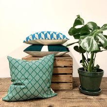 Load image into Gallery viewer, Hand Woven Dumbara Cushion - Green Zig ZagPattern