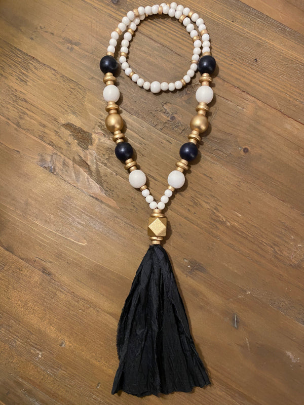 The Lucy Tassel Necklace