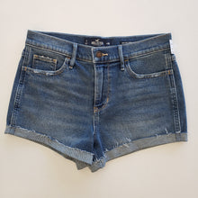 Load image into Gallery viewer, Hollister Shorts Size 7/8