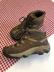 Keen hiking Boots Womens 7.5